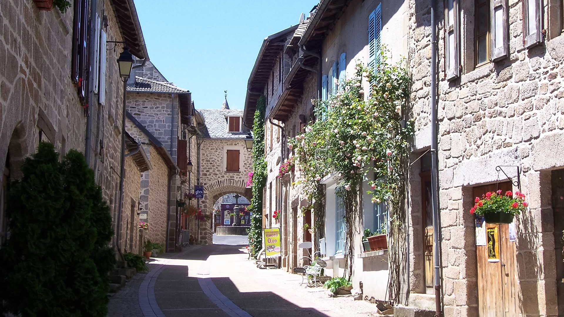 Village de Marcoles Cantal